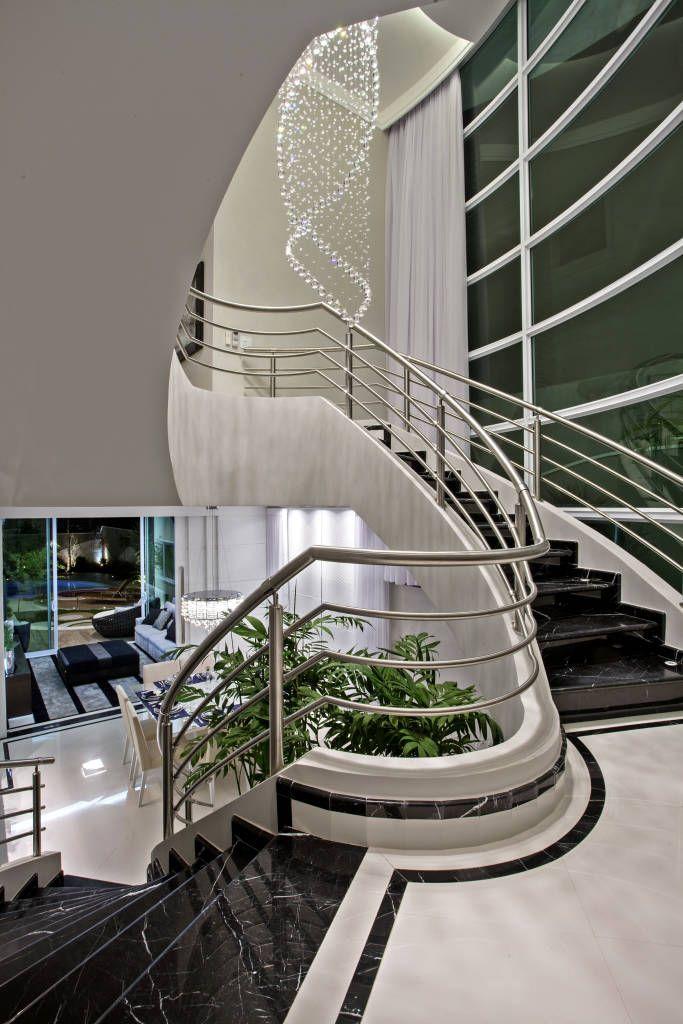 Fotos de corredores, halls e escadas modernos casa tripoli - escaleras modernas