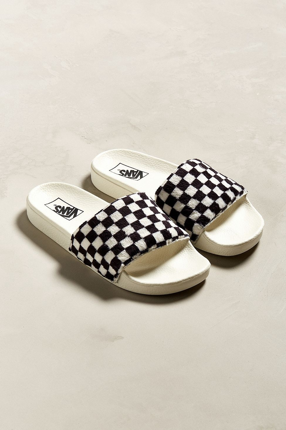 d3140836307 Urban Outfitters Vans Slide-On Checkerboard Sherpa Sandal - M 12 W 13.5