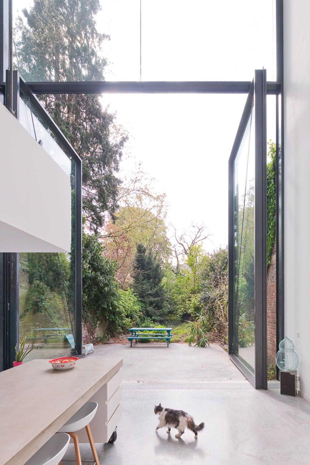 Sculp(IT) Antwerp Home Features World\'s Largest Pivot Door