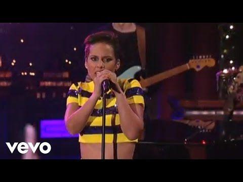 Alicia Keys Girl On Fire Live On Letterman Youtube Musica