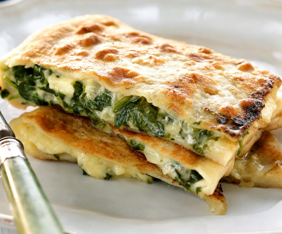 Spinach And Feta Parcels Recipe Cooking Recipes Vegetarian Dishes Vegetable Recipes