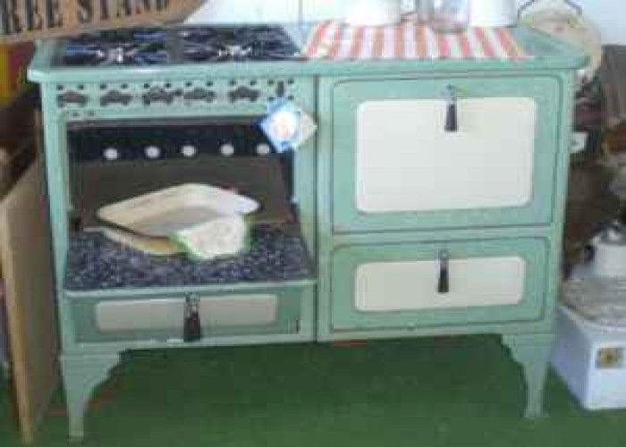 vintage gas stove 160 sweet home for sale in oregon classifieds