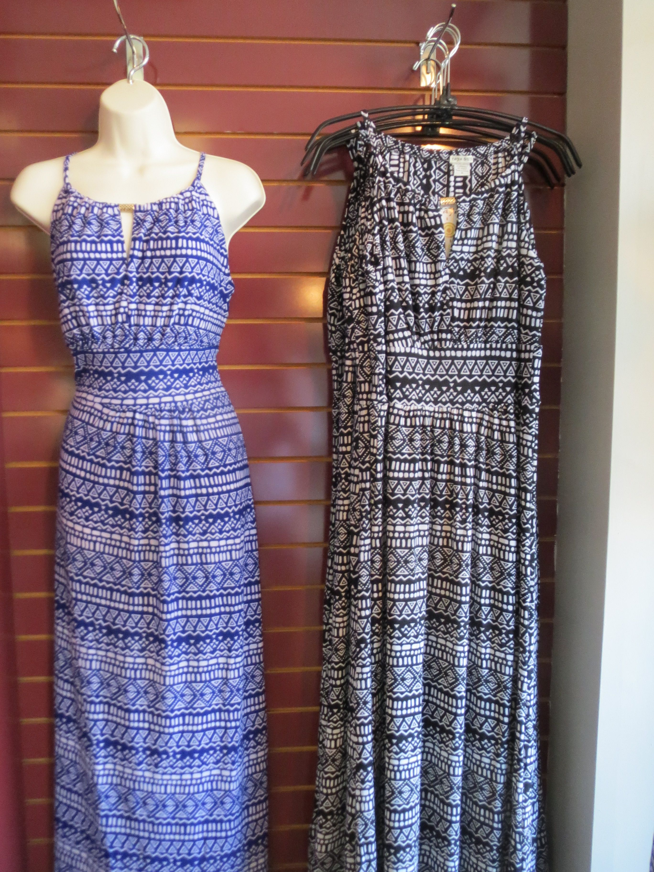 Great looking tribal print long dress in polyester and spandex s