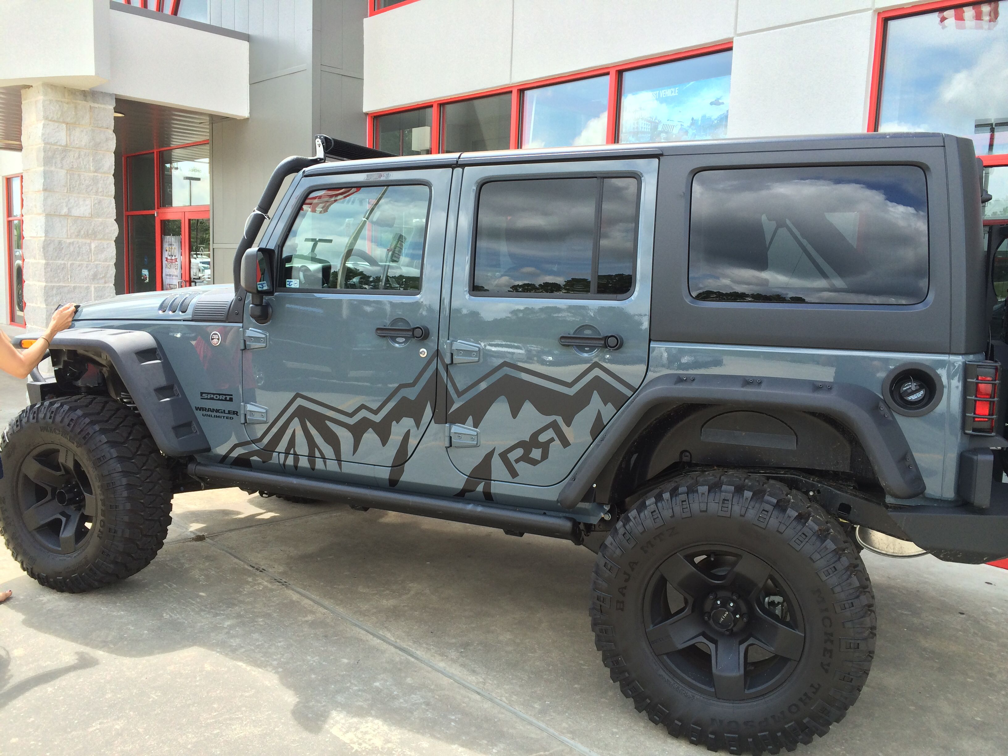 recon builds its news rubicon ever jeep sale door debuts doors wrangler anniversary most capable h unlimited edition