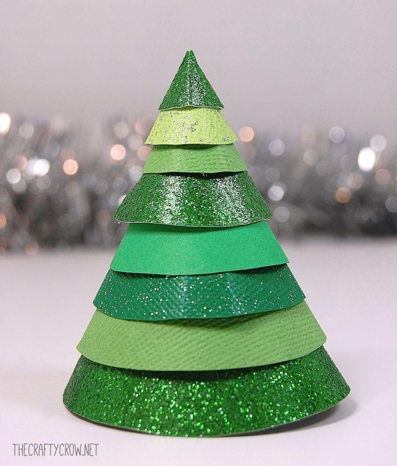 40 Alternative Christmas Tree Ideas Diy Christmas Trees For 2020 Christmas Tree Decorations Diy Alternative Christmas Tree Alternative Christmas Tree Diy