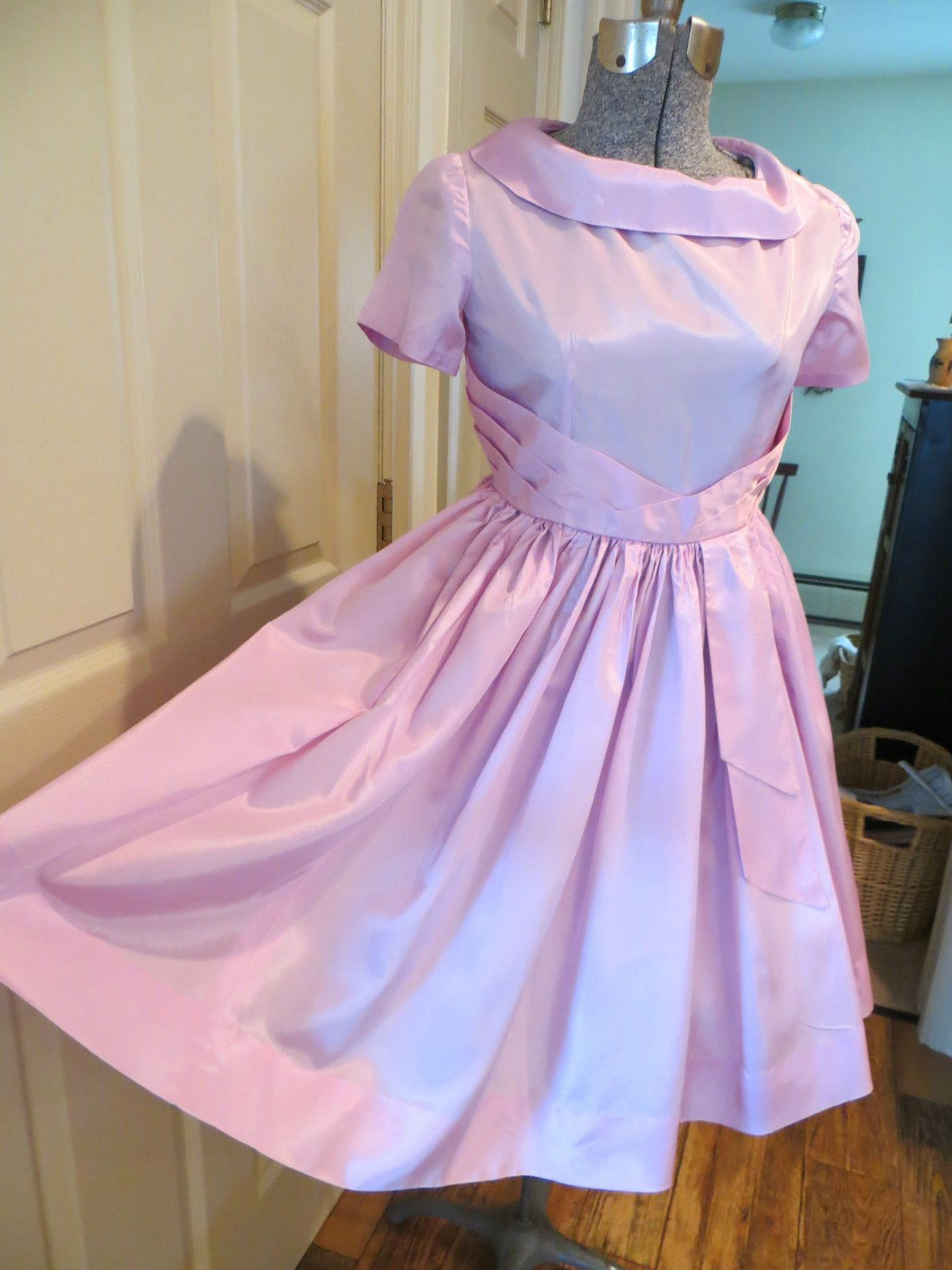 VTG. 50\'S 60\'S HAND MADE SATIN PARTY WEDDING DRESS | eBay | The ...