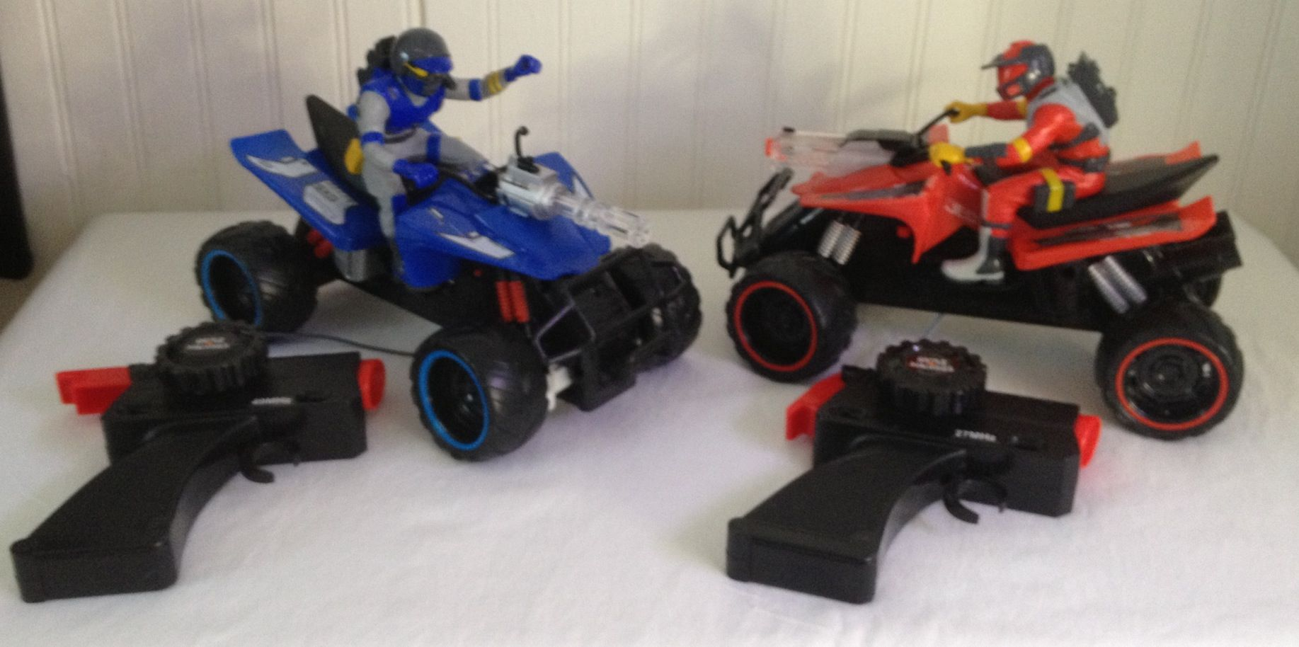 Jada car toys  Jada Toys Battle Machines RadioControlled Quad Bike Laser Combat
