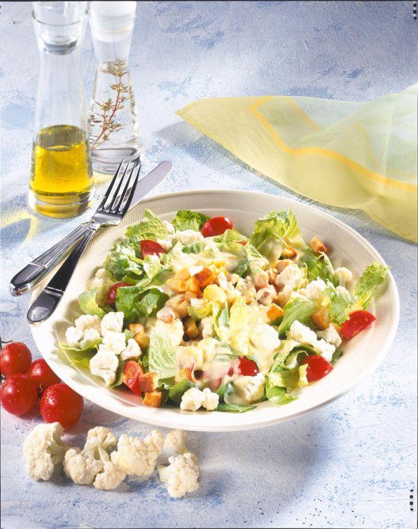 Unser beliebtes Rezept für Blumenkohlsalat mit Croûtons und mehr als 55.000 weitere kostenlose Rezepte auf LECKER.de.