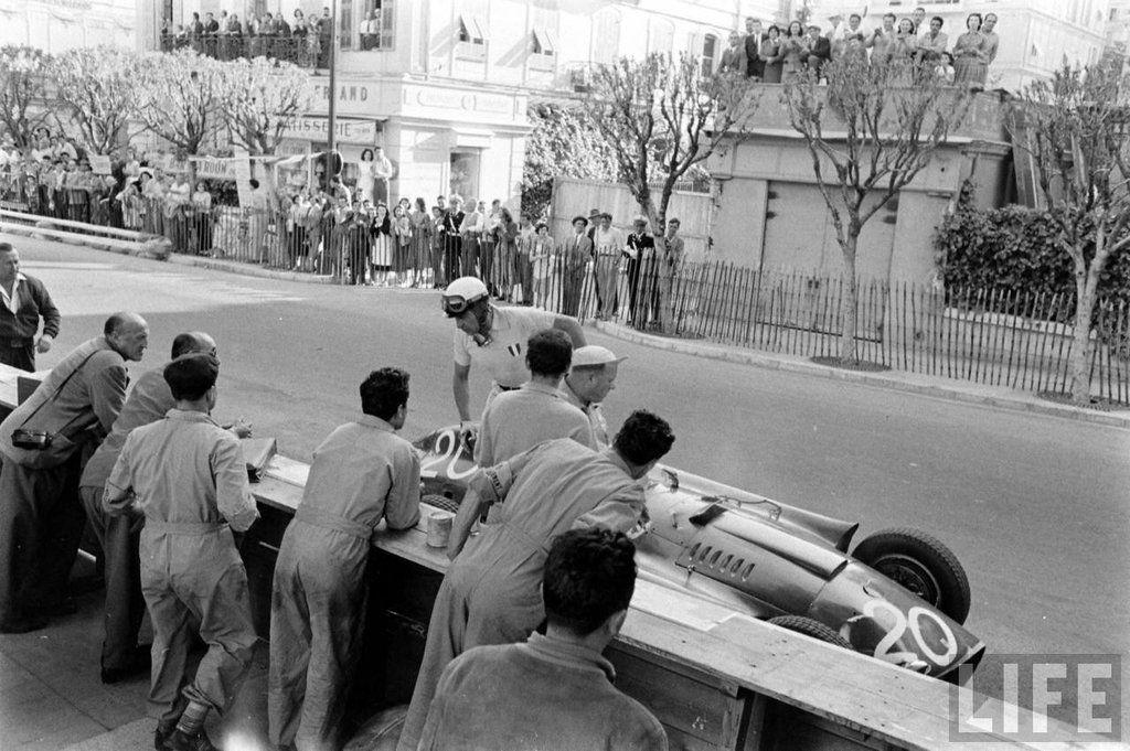 Juan Manuel Fangio (ARG) (Scuderia Ferrari), Lancia-Ferrari D50 - Lancia DS50 2.5 V8 (finished 2nd*)* - Car shared with Eugenio Castellotti.1956 Monaco Grand Prix, Circuti de Monaco