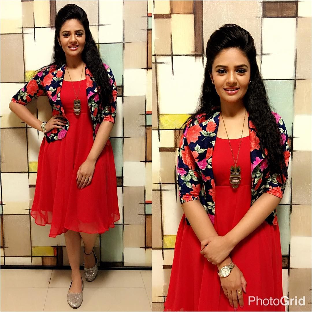 Actress Sreemukhi New Photos Stills Images Shrug For Dresses Frock For Women Designer Dresses Indian