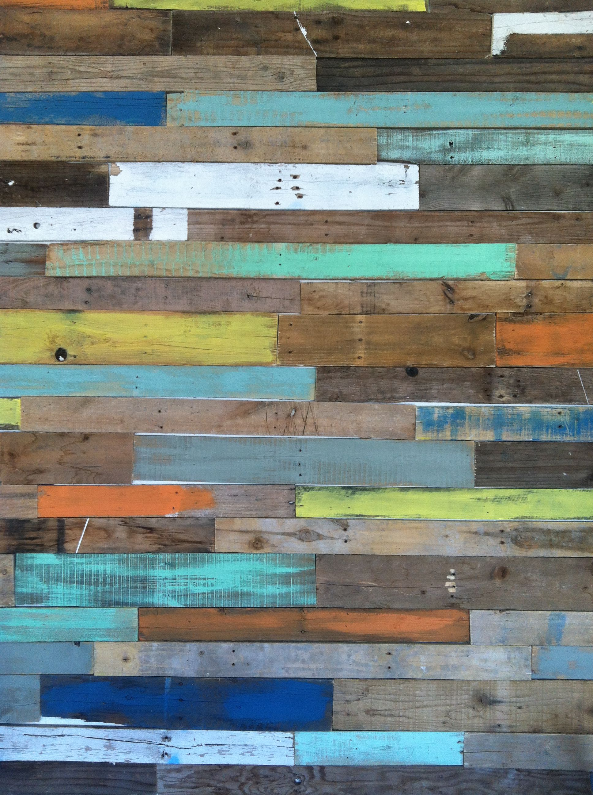 Awesome pallet wall at kilou0027s Italian Ice