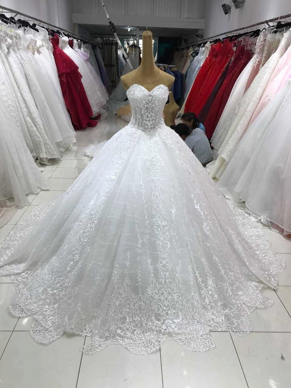How Much Does It Cost To Dry Clean Wedding Dress Awesome Beautiful Bride Andheri East Wedding Gowns Hire In In 2020 Bridal Gowns Online Bridal Gowns Ball Gowns Wedding