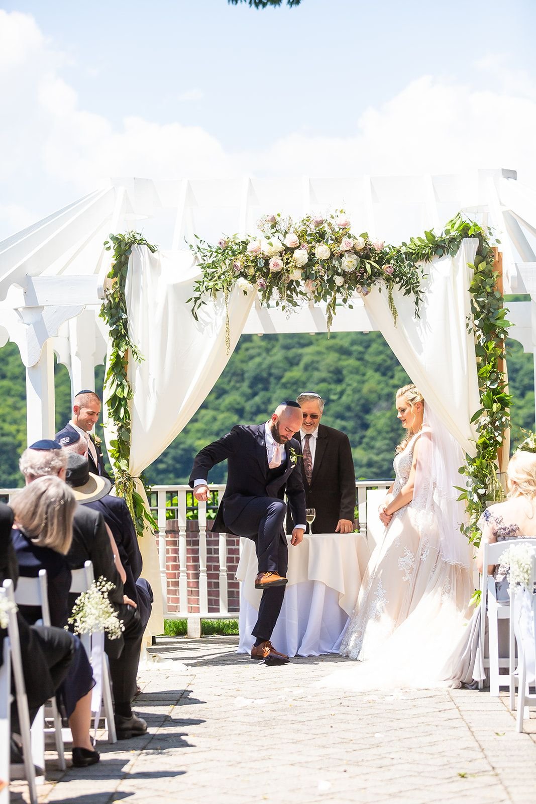 Breaking The Glass Tradition In 2020 Jewish Wedding Jewish Wedding Traditions Wedding