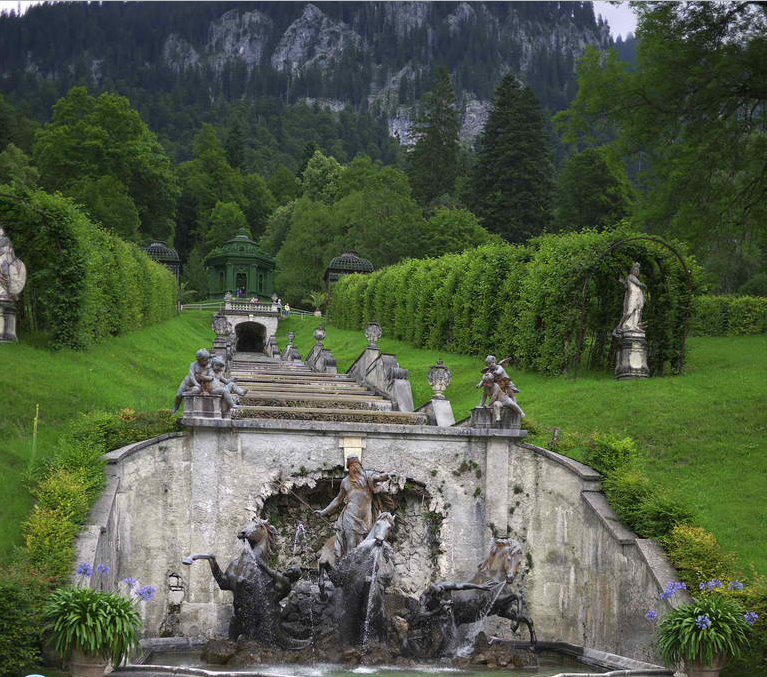 The Neptune Fountain Schloss Linderhof The Linderhof Palace Is In Germany In Southwest Ba Backyard Landscape Architecture Beautiful Places Places To Go
