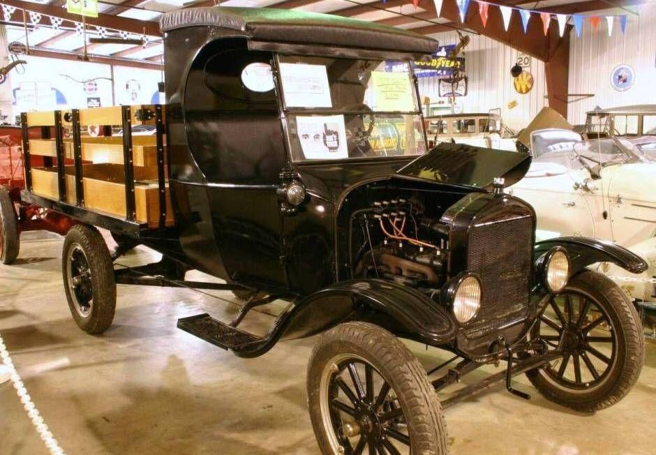 1925 Ford Model Tt Flatbed C Cab Truck Vintage Trucks Ford Ford