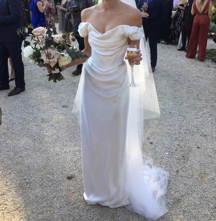 Photo of Vivienne Westwood Cocotte (with bespoke neck line) Preowned Wedding Dress Save 36%