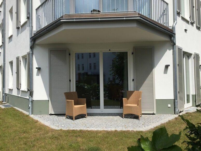 Terrasse mit eigenem Garten Strandhäuser, Binz und Haus