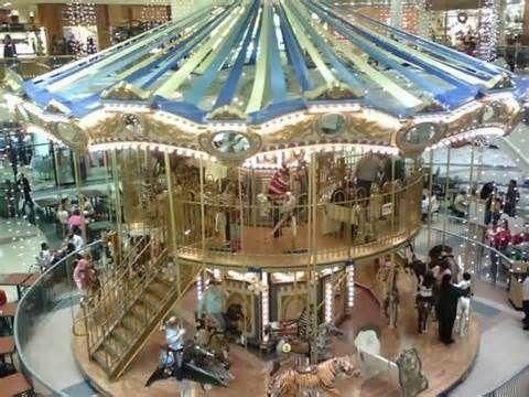 Fort Wayne Mall >> Glenbrook Mall Fort Wayne The Carousal Fort Wayne Indiana