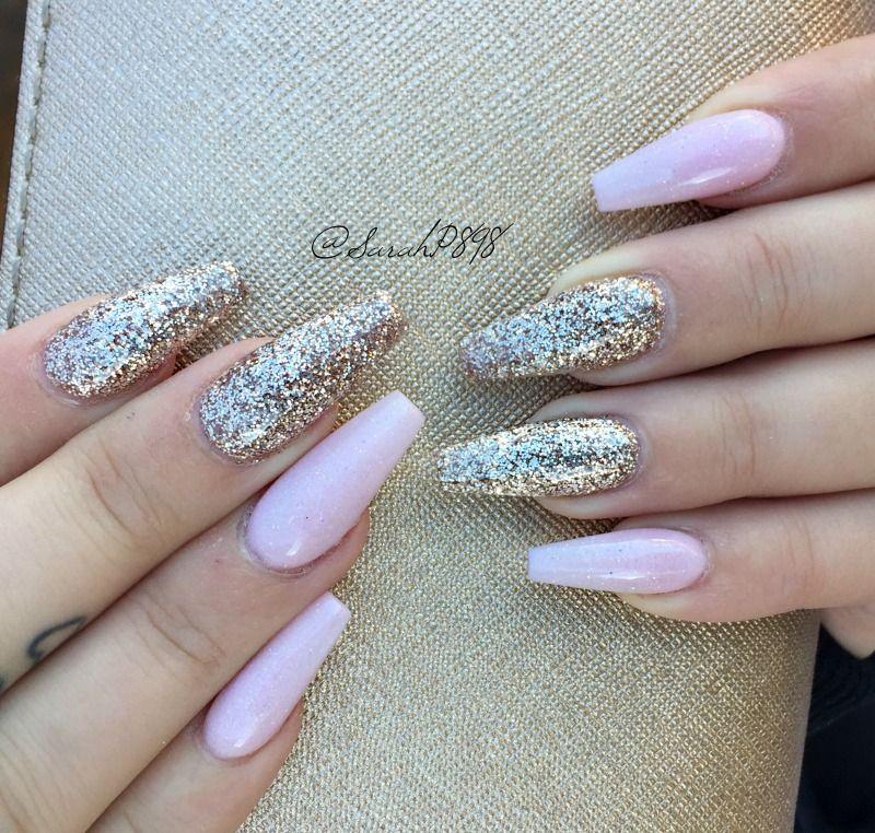 Long Pink And Rose Gold Coffin Nails Rosegold Rosegoldnails Coffinnails Pink Nails Gold Glitter Nails Birthday Nails