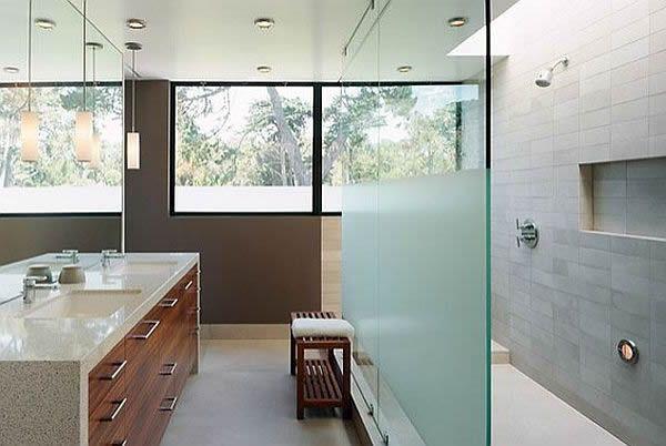 Ba o con cerramiento de ducha en cristal glaseado victor - Banos con paredes de cristal ...