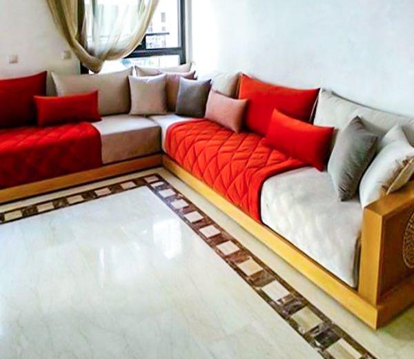 Salon marocain avec tlamet gros et rouge | Salon & Sedari marocain ...