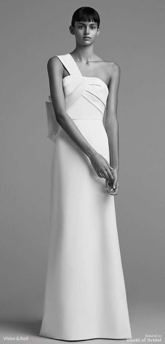 Wedding dress with bow on back  Viktor u Rolf Fall  Bridal Collection  wedding dresses