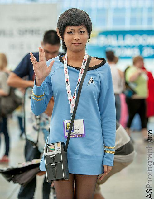 Star Trek | SDCC 2013 - what a great idea... super large sweatshirt turned uniform