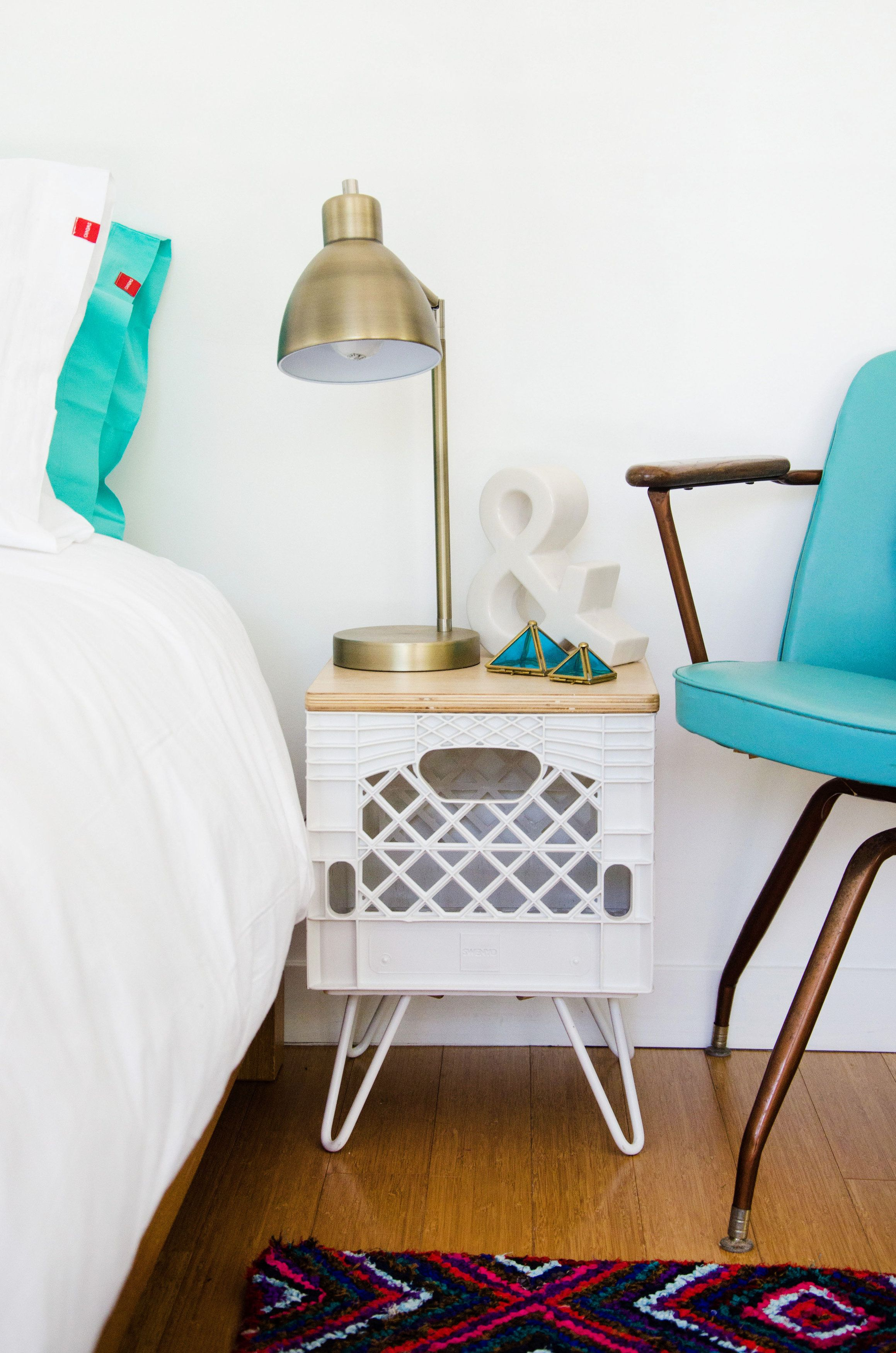 Milk Crate Nightstand. A combination of vintage and modern. #hairpinlegs #modern #SWENYO
