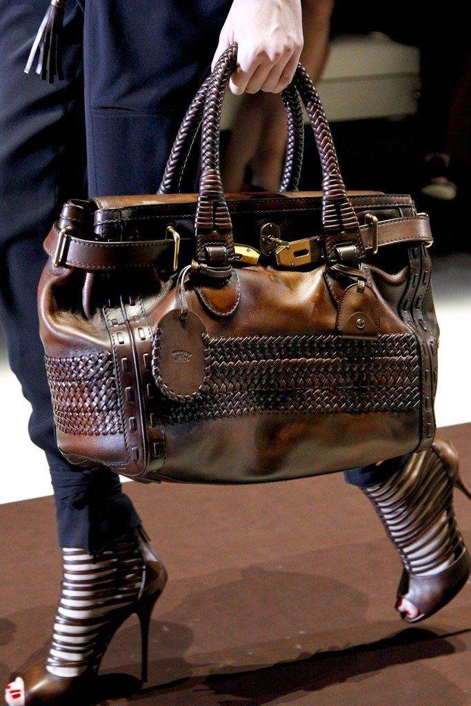 Gucci Spring 2011 Ready-to-Wear Accessories Photos - Vogue