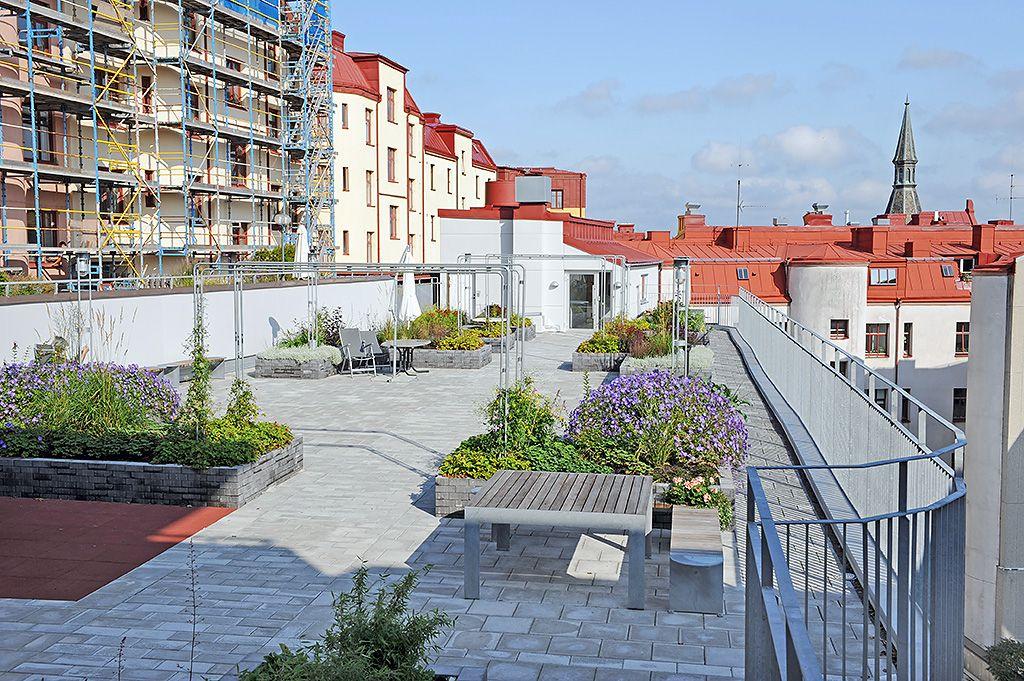 De boende kan även använda grannens terrass