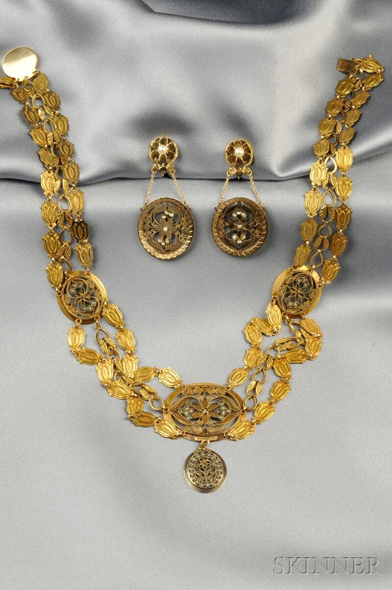 Gold canatillework necklace and earrings probably French c