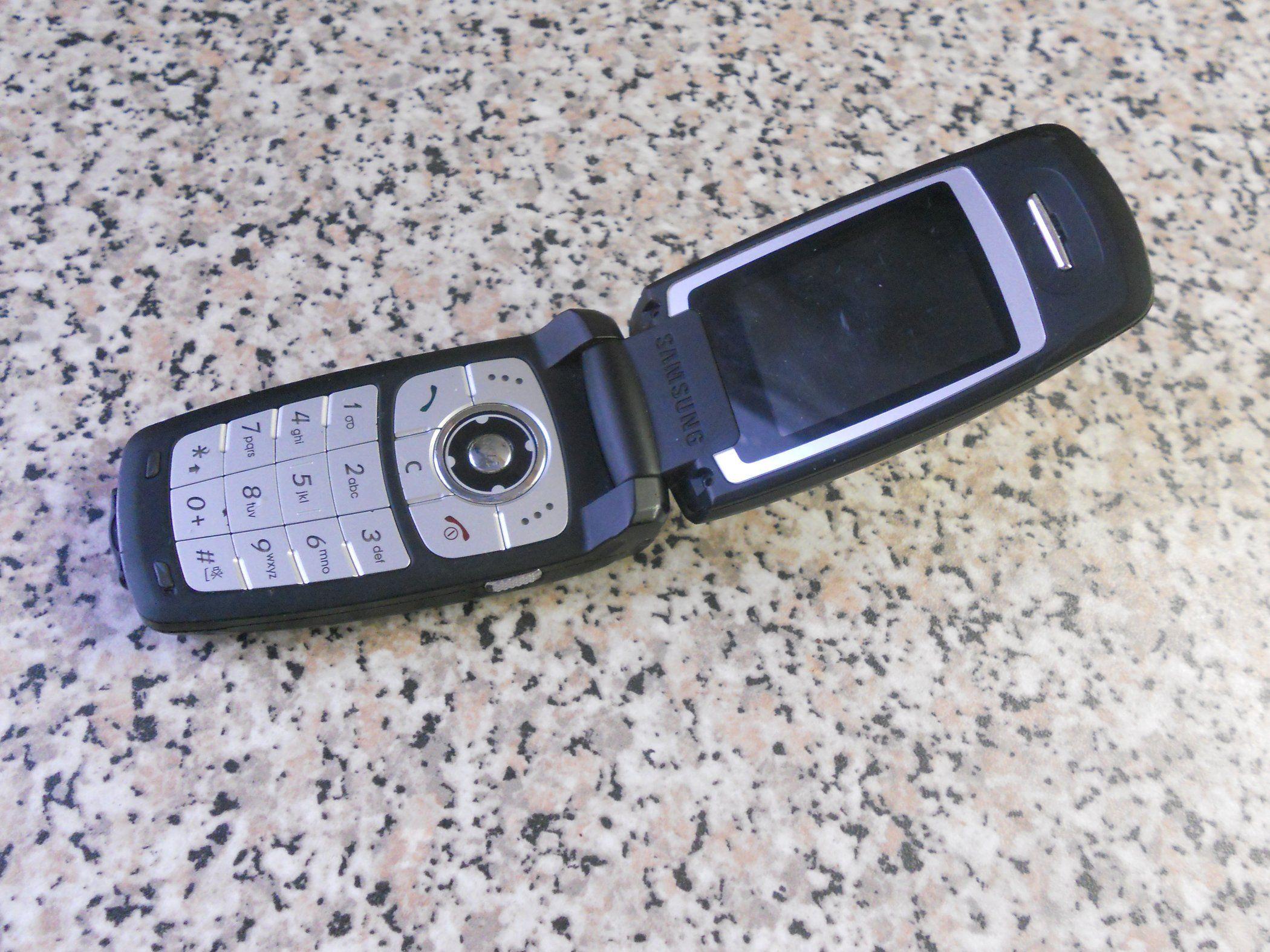 Diy spy phone spy gear spy gadgets diy flip phones