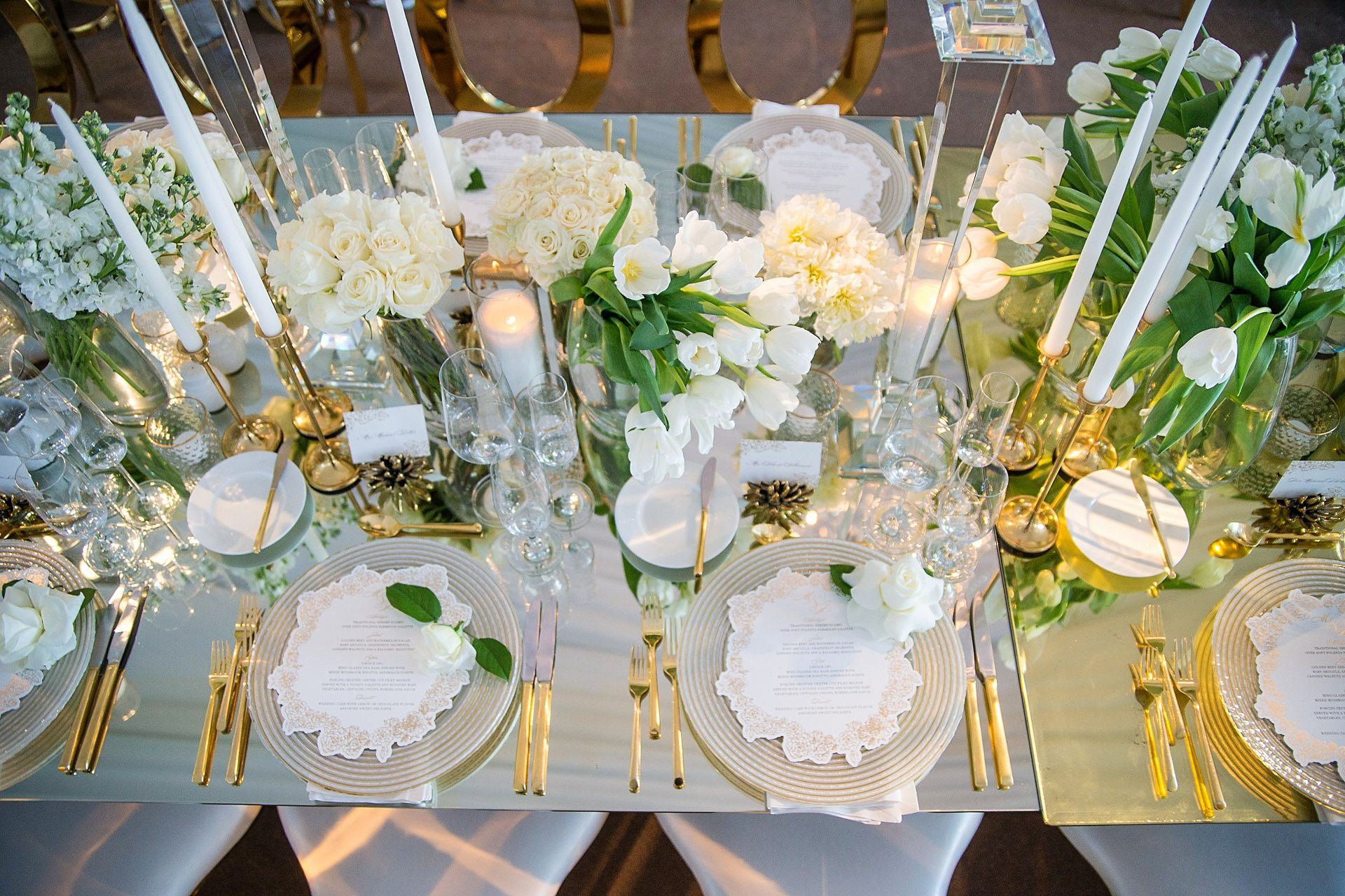 Elegant White And Gold Table Scape Adding Gold Touches To