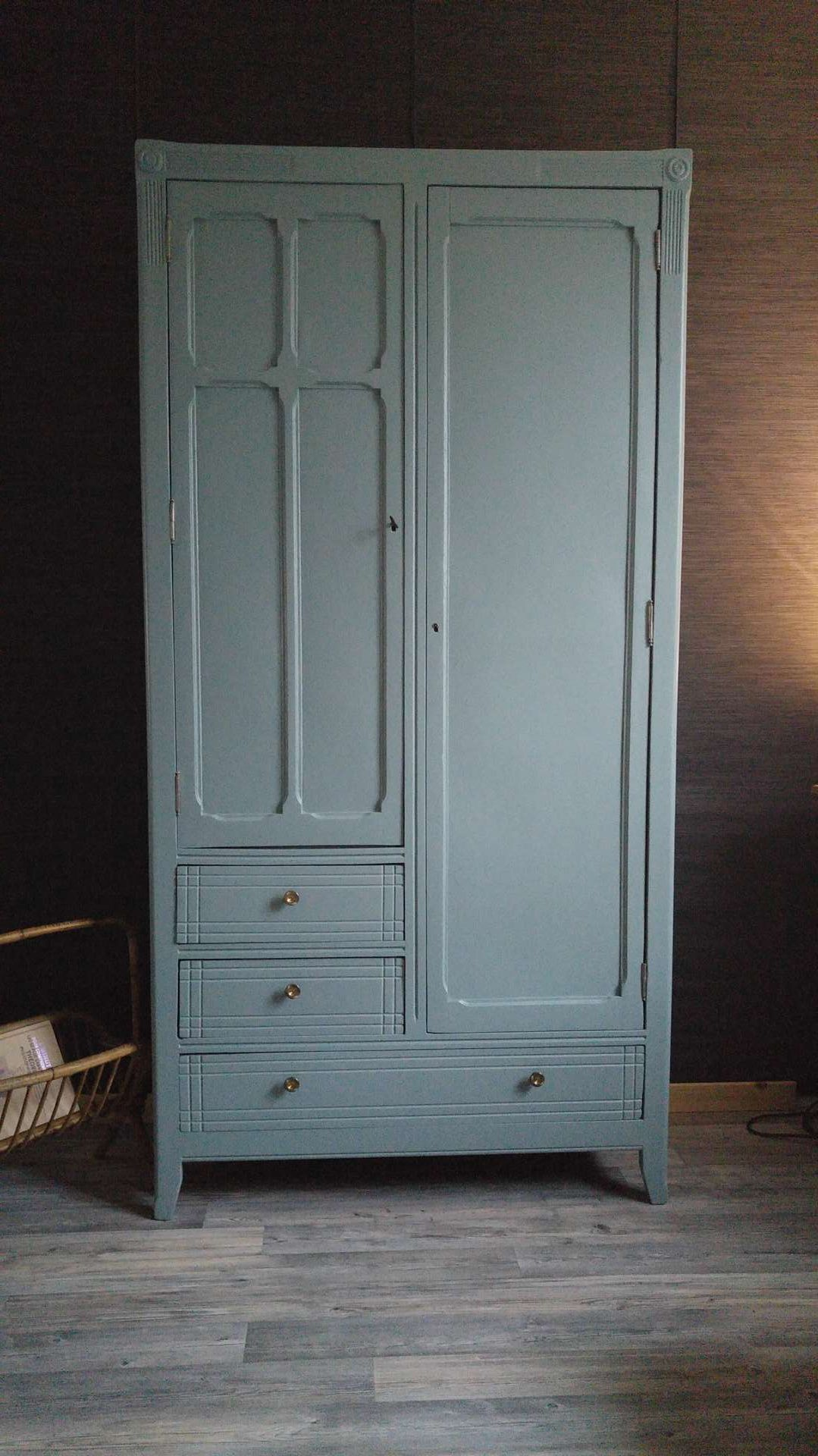 Peinture Farrow And Ball Pour Meubles Armoire Parisienne Quotmargot Quot Peinture Quotoval Room Blue Quot De