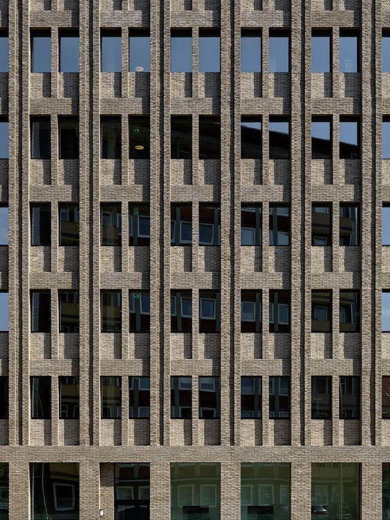 Architekten Bremerhaven über max dudlers aok neubau in bremerhaven träger backstein