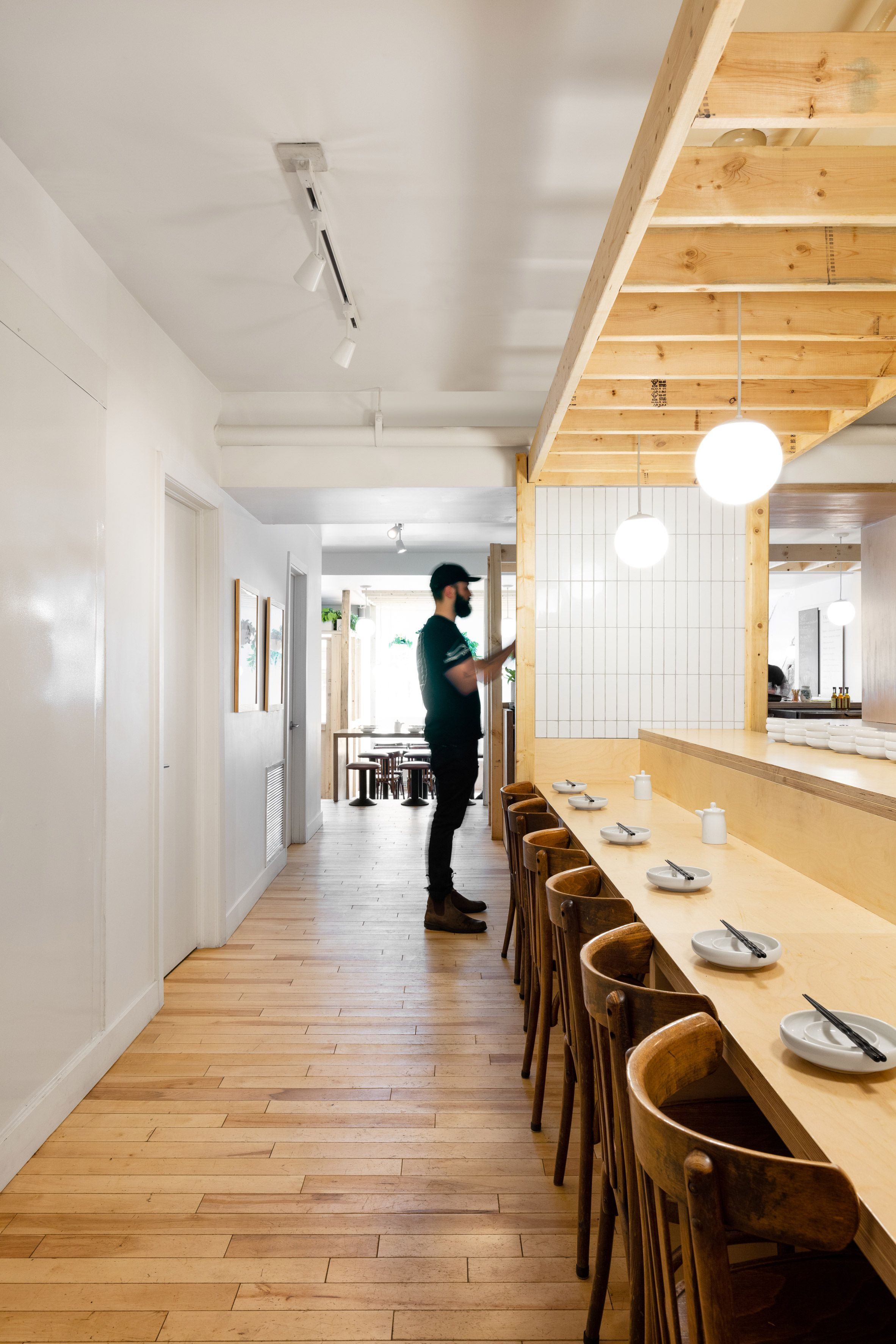 Simple Materials Throughout The Restaurant Include White Tiles Plywood For Built In Furniture And Wooden Floo Patio Furniture Sets Built In Furniture Izakaya