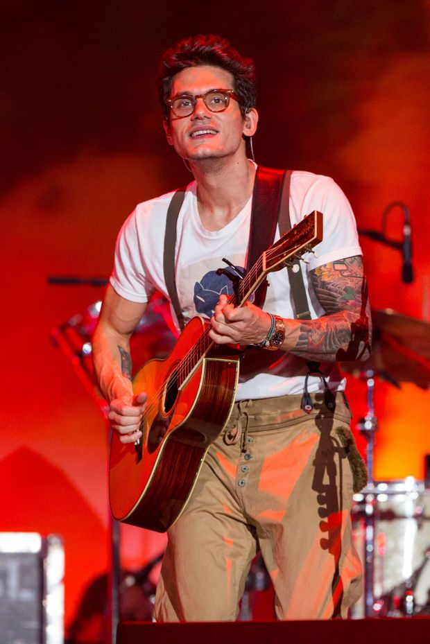 Singer-songwriter and blues guitarist John Mayer lives in