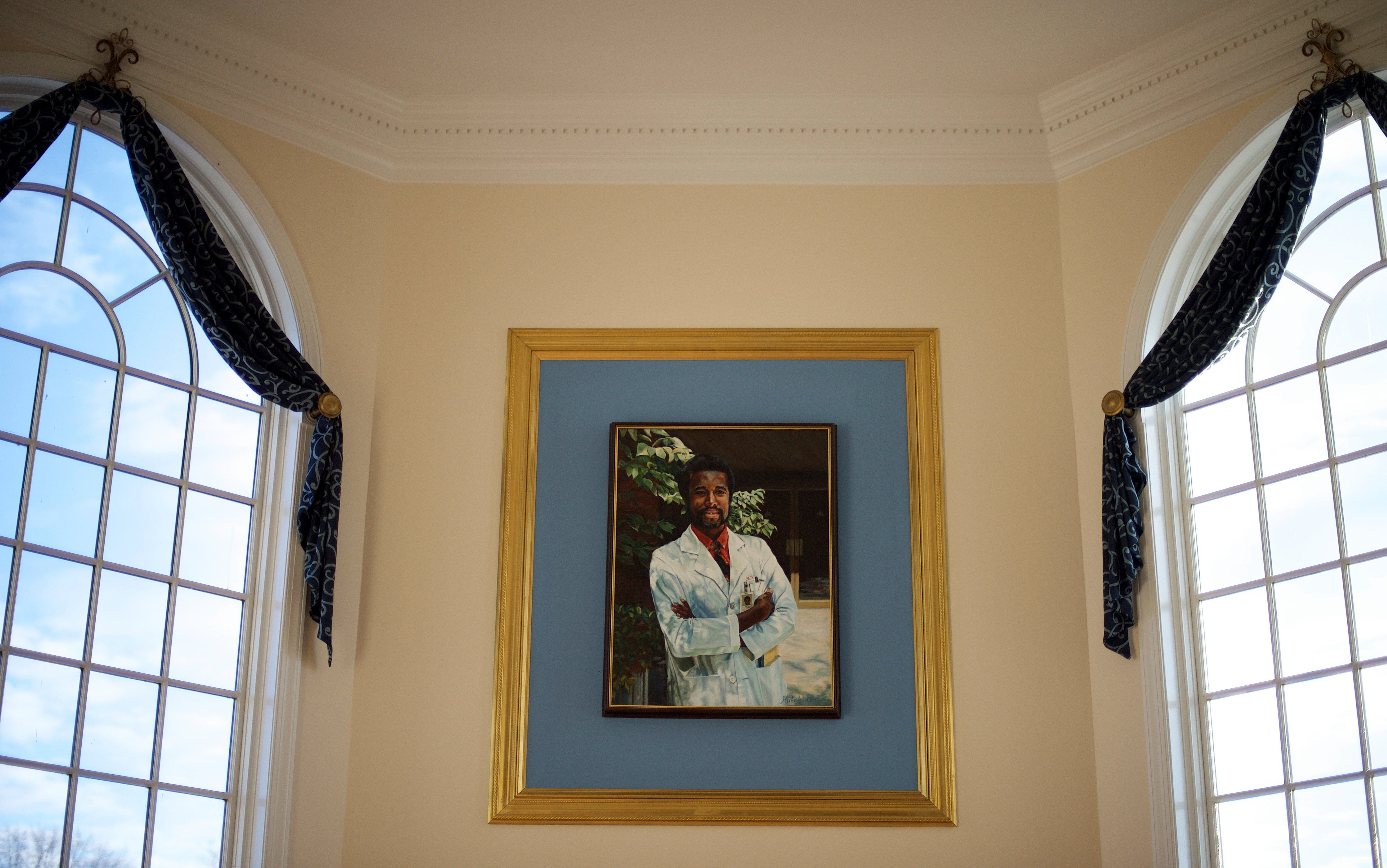 Ben Carsons house a homage to himself in pictures