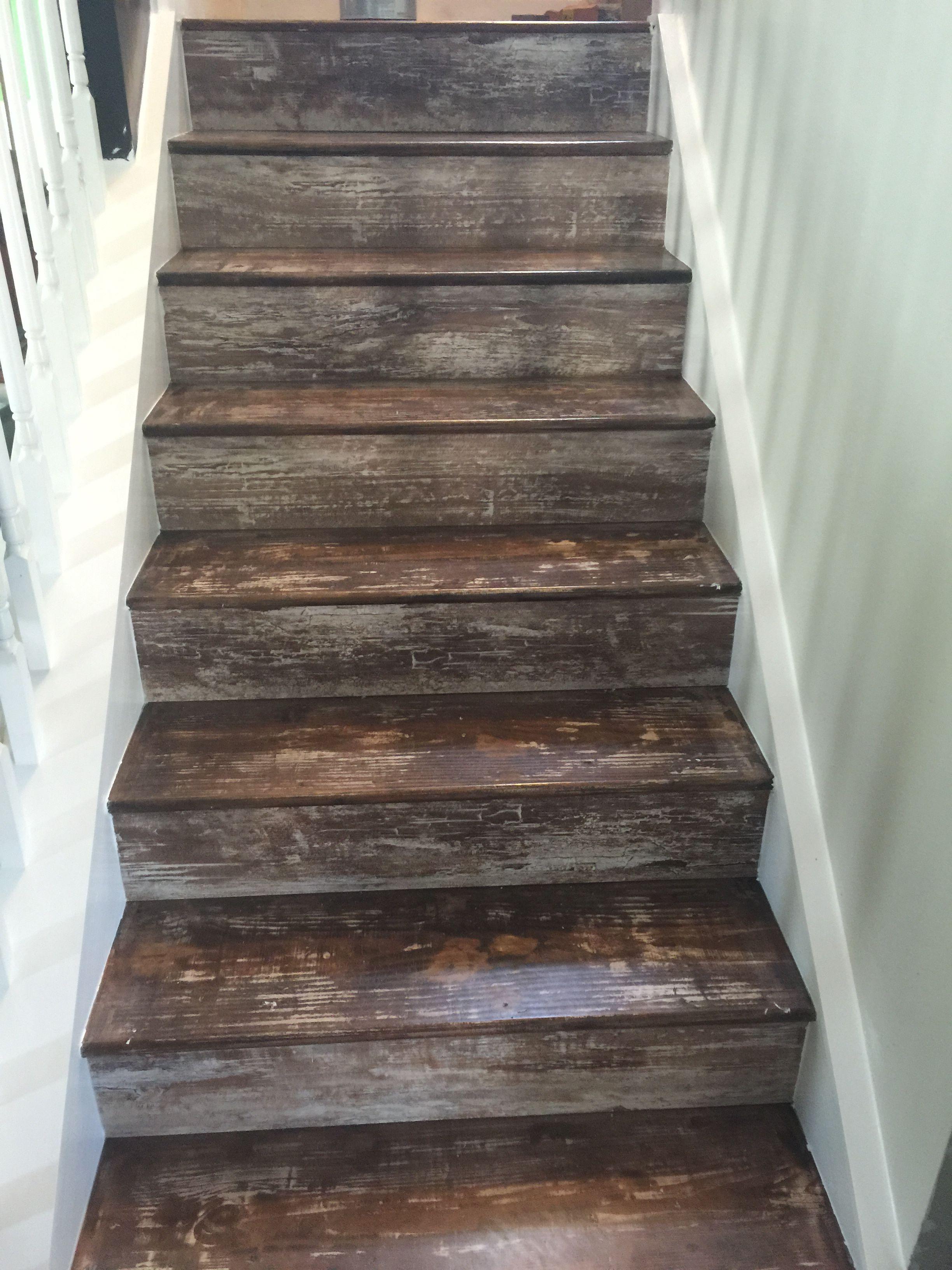 rustic stairs Hardwood stairs, Rustic stairs, Wood stair
