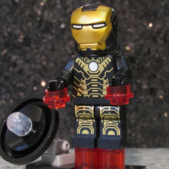 IRON MAN Mark 20 Python - Black and Gold Tony Stark Armor ...