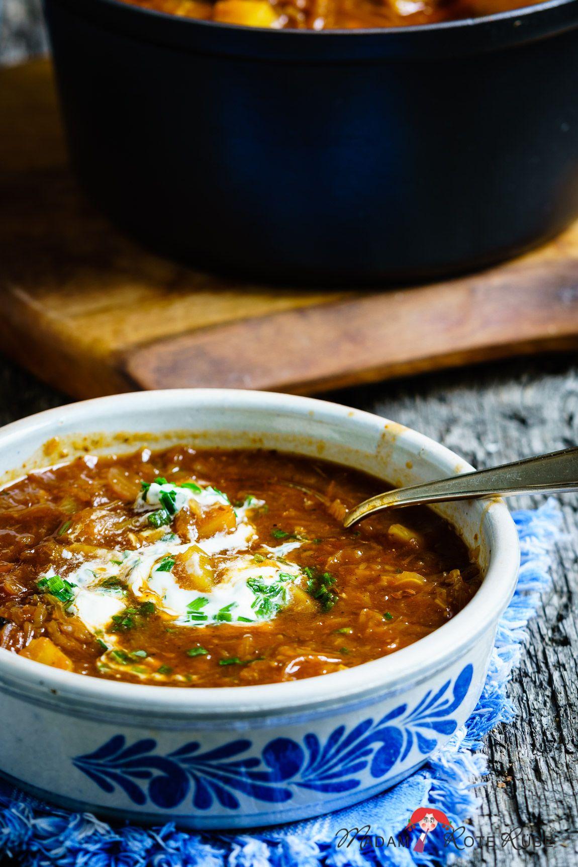 Vegetarisches Kartoffel-Gulasch mit Sauerkraut - echt einfach - Madam Rote Rübe & die Landküche #gulaschrezept