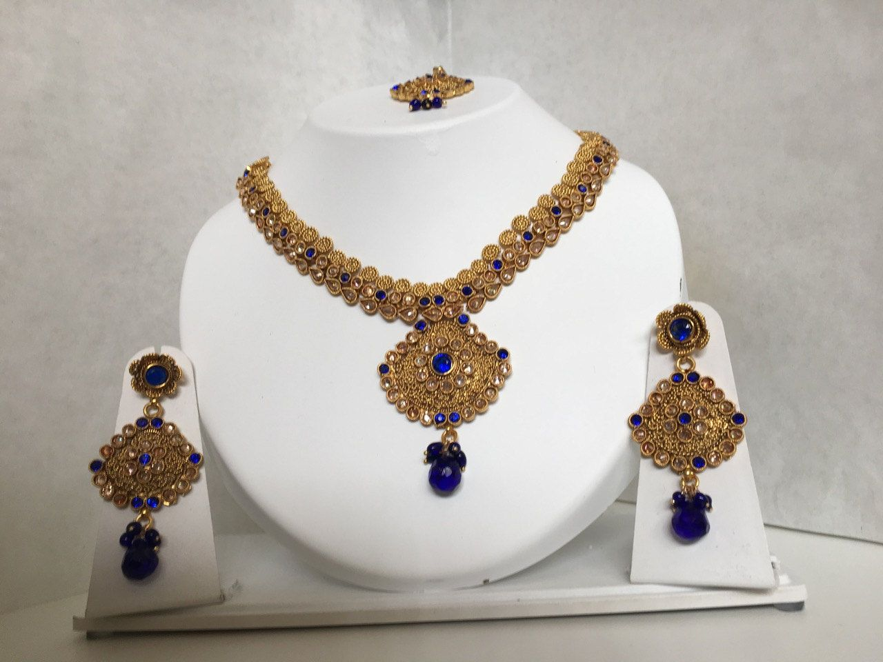 Stone studded necklace set by pinaashartjewellery on etsy indian