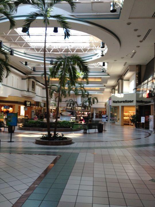 b9ac5a1f3a2 Boulevard Mall in Amherst