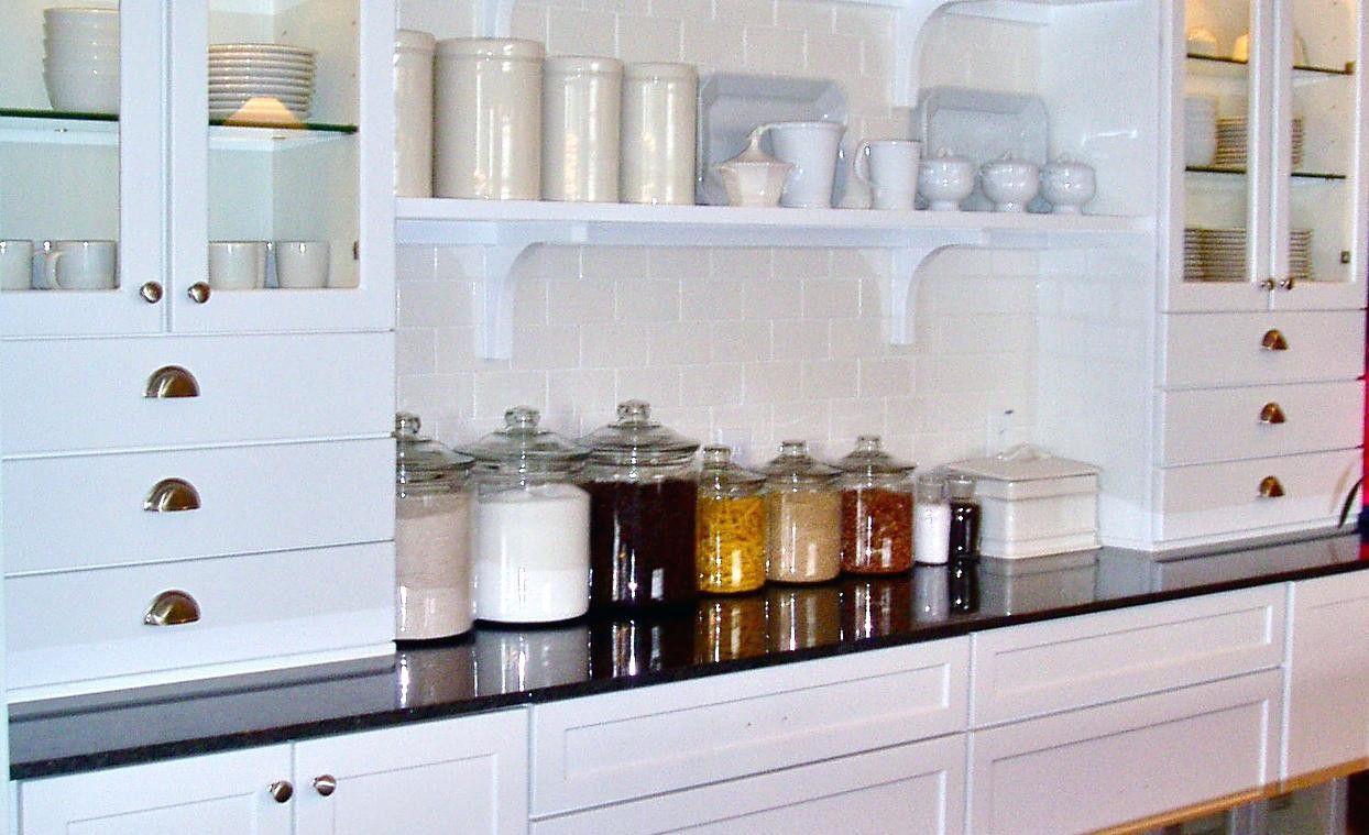 20 Martha Stewart Cabinets Price List Backsplash For Kitchen Ideas Check More At Http Ww Traditional Kitchen Cabinets Kitchen Nook Lighting Kitchen Design