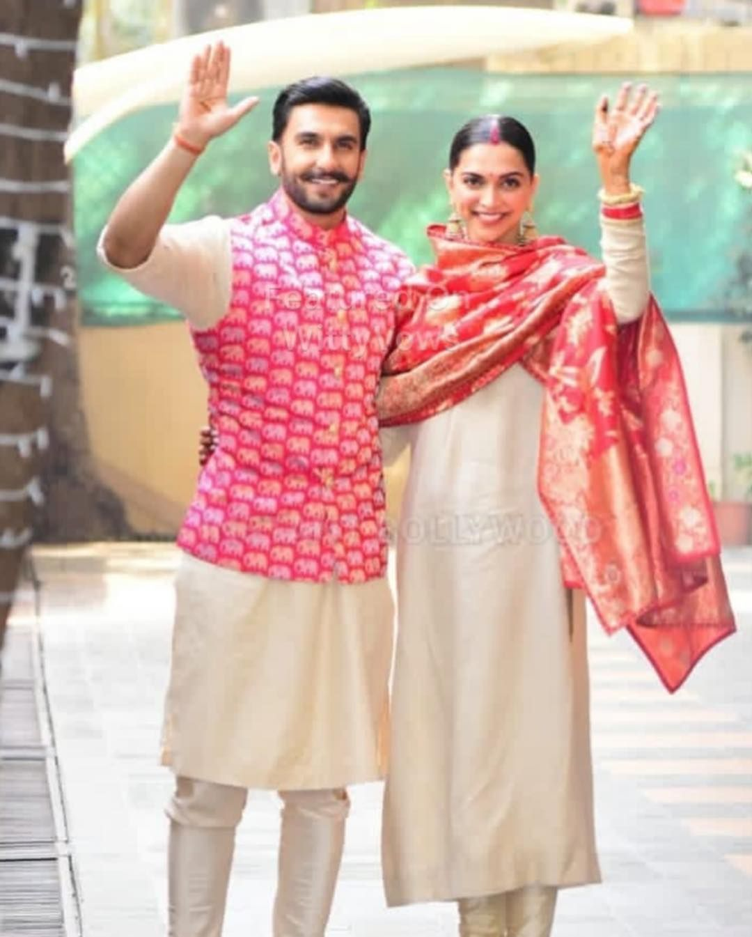 Deepika Padukone And Ranveer Singh Wedding Deepveer Wedding Bride And Groom In Sabyasachi Mukher Indian Wedding Outfits Bollywood Wedding Pakistani Outfits