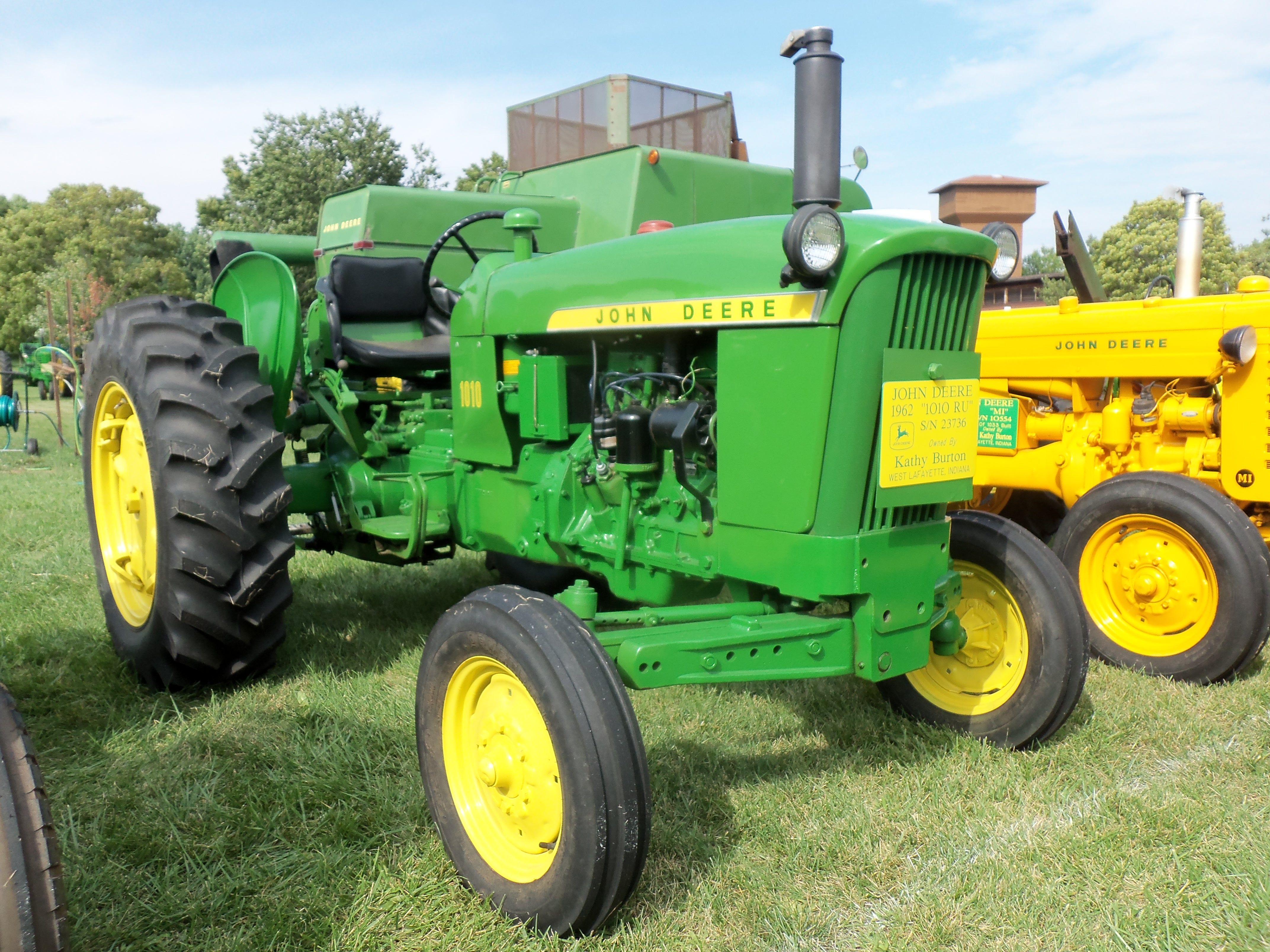 1962 John Deere 1010 : Ru john deere equipment pinterest tractor