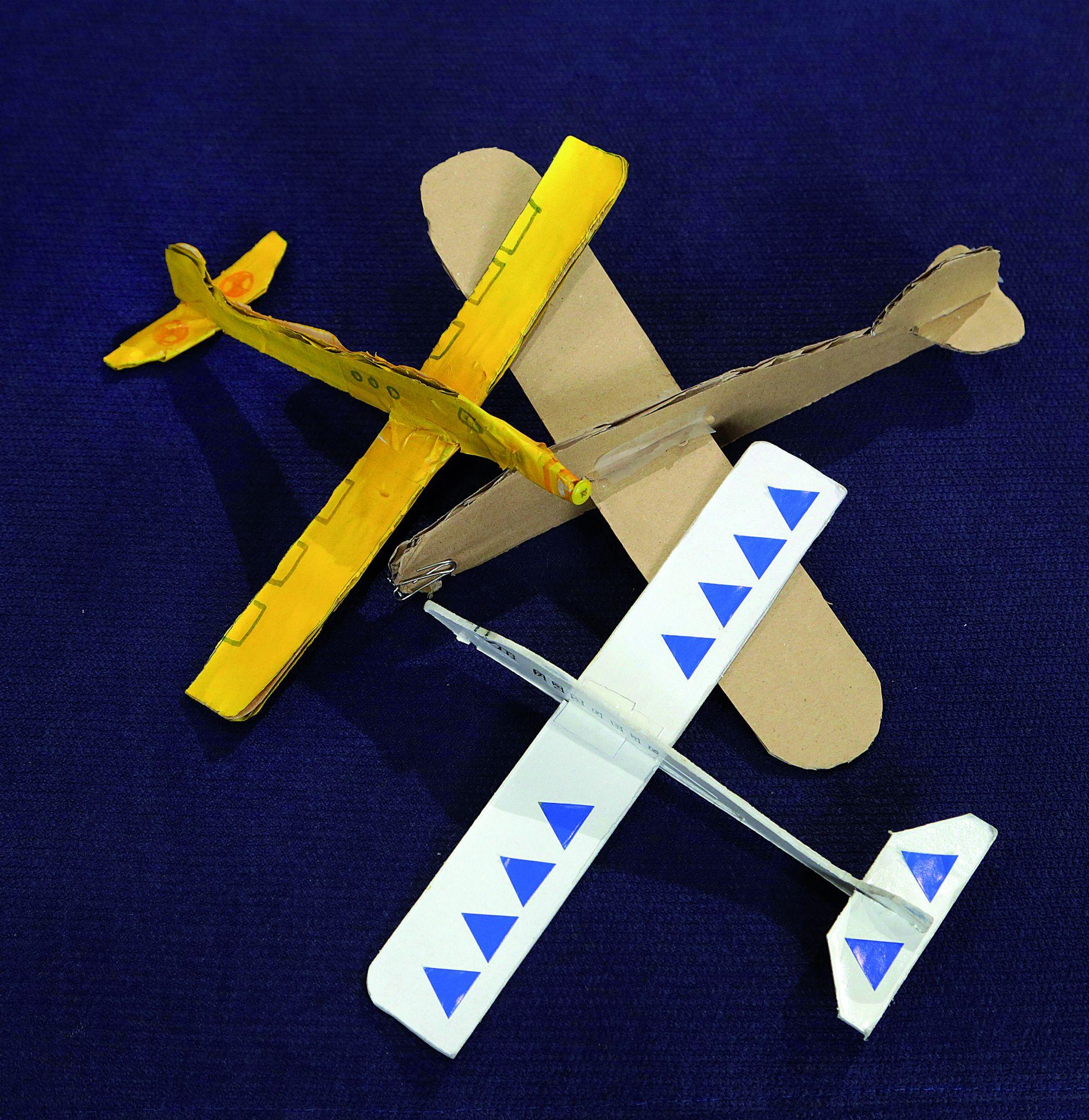 avions de cartró