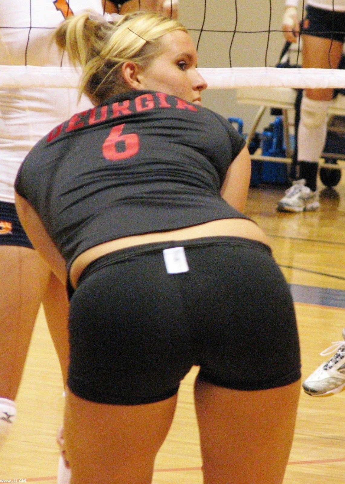 Posts, Volleyball girls and Volleyball on Pinterest