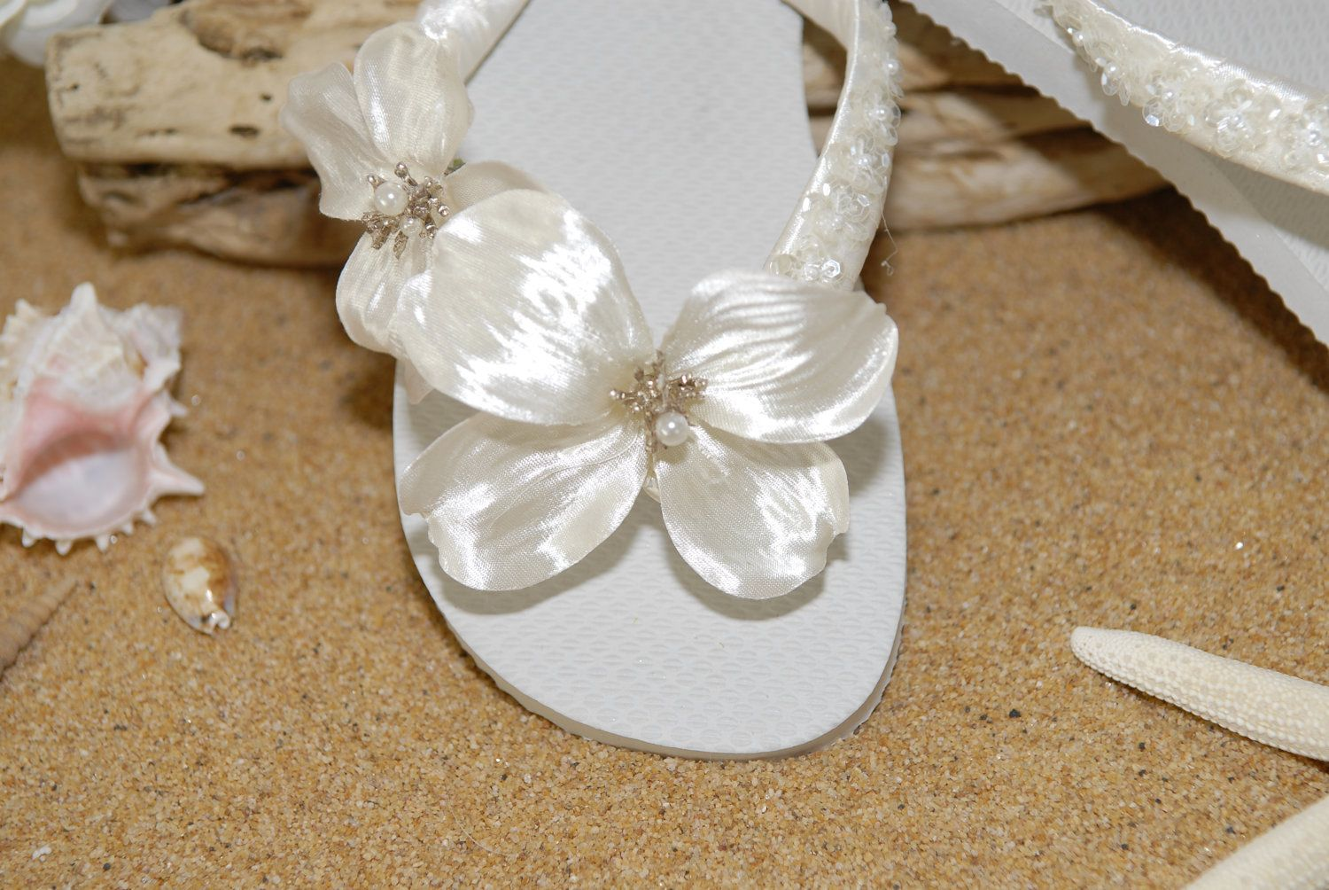 ab3ba4b641088 1000 images about bridal shoes on pinterest beach wedding shoes flip flops  and beach weddings