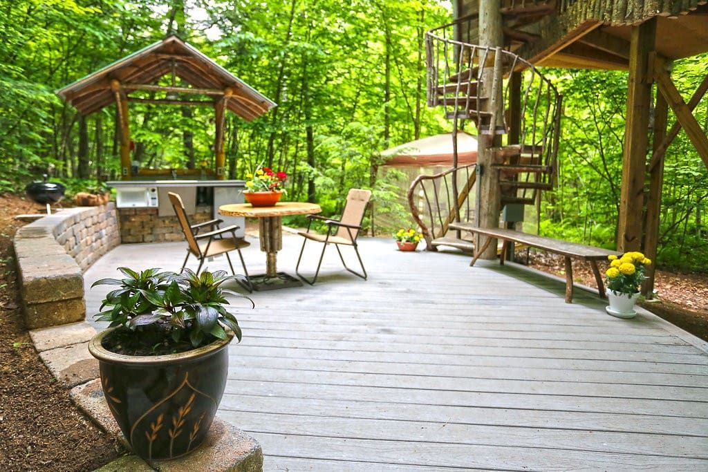 An adirondack tree house retreat treehouses for rent in